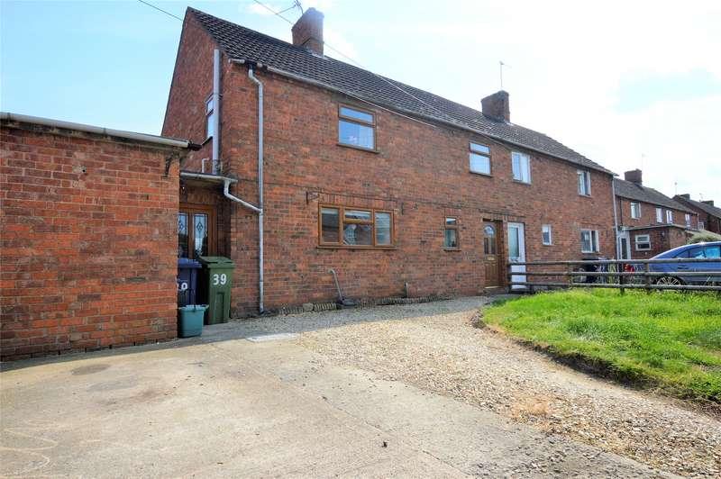 3 Bedrooms Semi Detached House for sale in Fairway, Tewkesbury, GL20