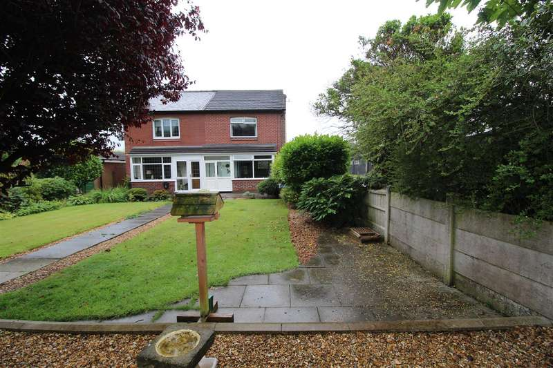3 Bedrooms Semi Detached House for sale in Woods Road, Aspull, Wigan, WN2 1PJ