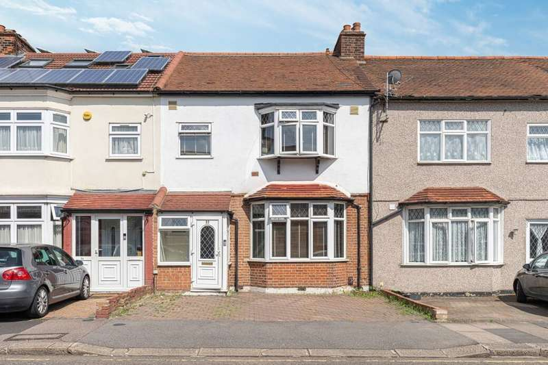 3 Bedrooms Terraced House for sale in Brook Road, Newbury Park, Ilford, IG2