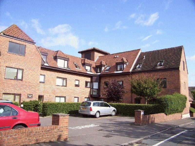 1 Bedroom Property for sale in Chapel Hay Lane, Gloucester