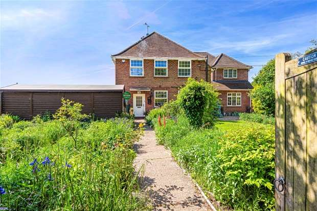 Detached House for sale in White House Lane , Spencers Wood , Reading