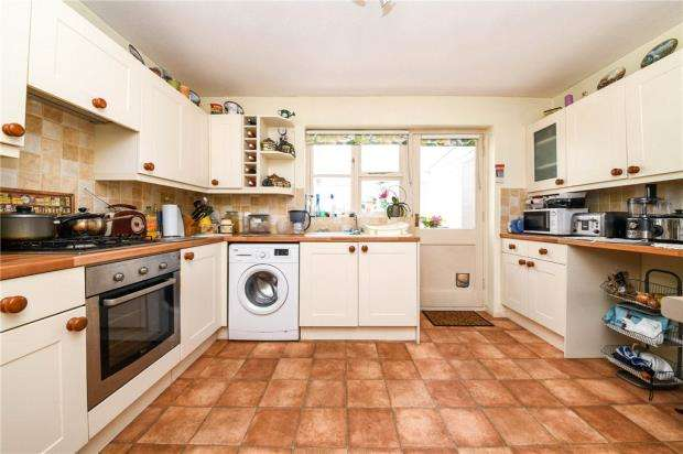 2 Bedrooms Terraced House for sale in Mulberry Gardens, Witham, Essex