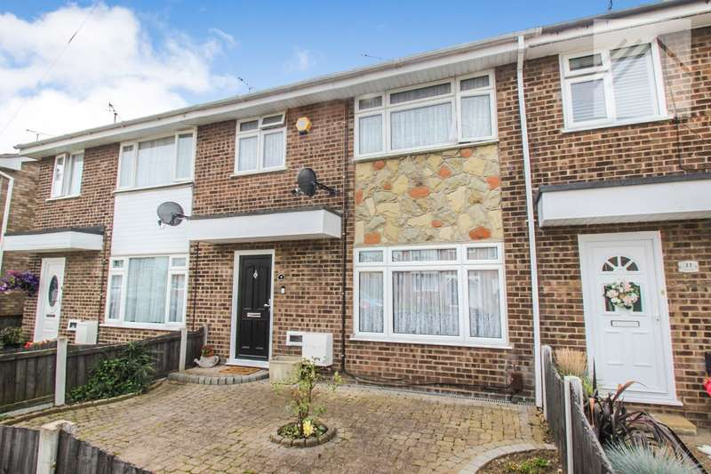 3 Bedrooms Terraced House for sale in Greenways, Canvey Island