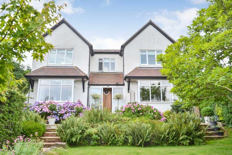 4 Bedrooms Detached House for sale in Harp Hill, Charlton Kings, Cheltenham, Gloucestershire