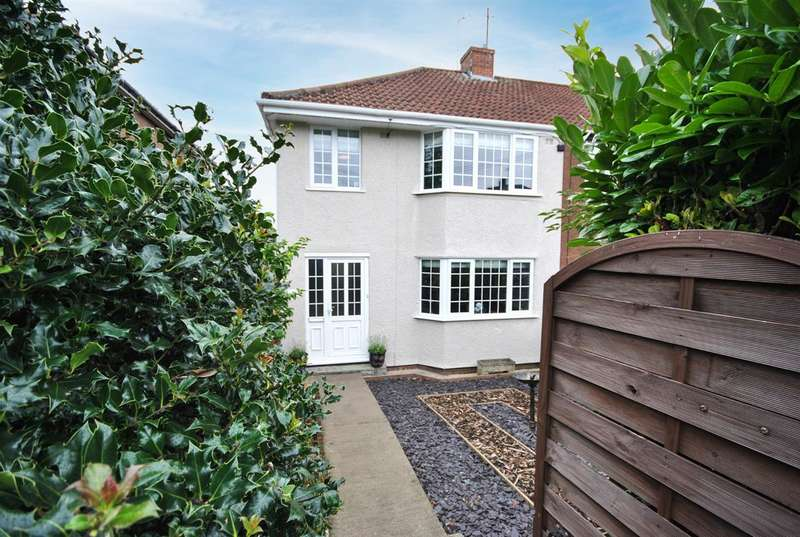 3 Bedrooms End Of Terrace House for sale in Station Road, Kingswood, Bristol