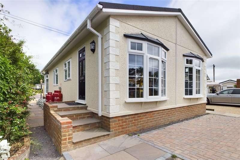 2 Bedrooms Mobile Home for sale in St Josephs Park, West End Road, Mortimer, Reading, RG7