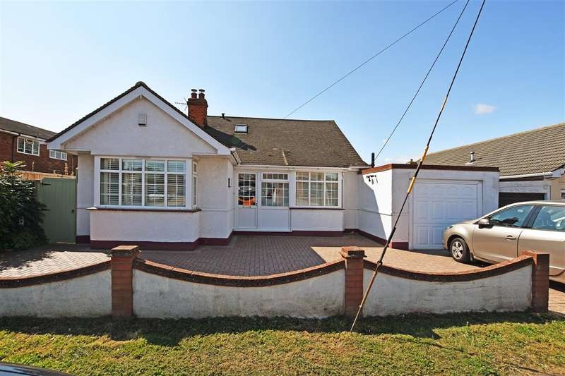 4 Bedrooms Chalet House for sale in Chamberlain Avenue, Canvey Island