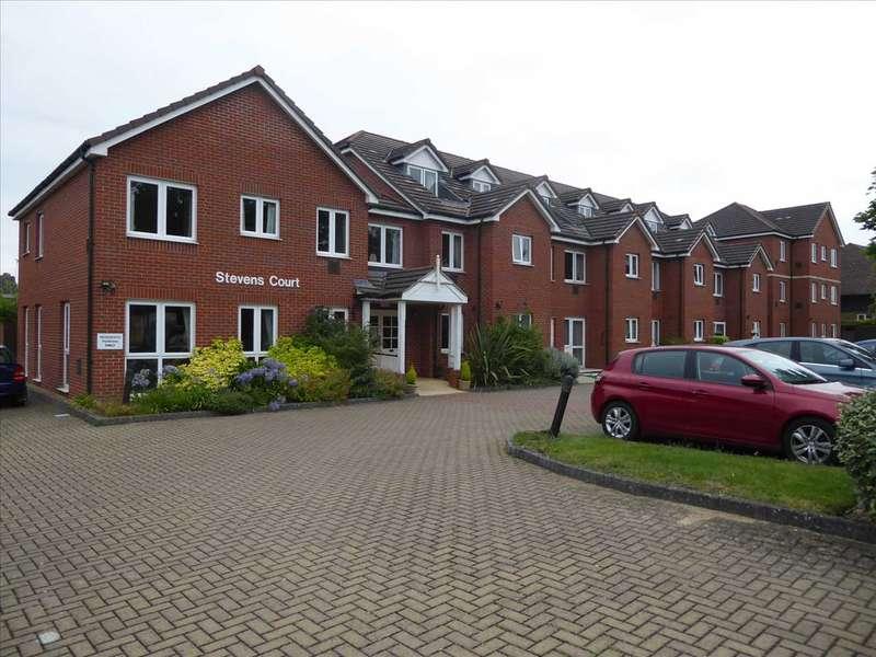 1 Bedroom Retirement Property for sale in Stevens Court, Reading Road, Winnersh, Wokingham