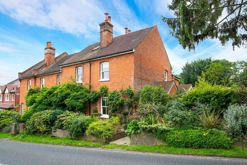 3 Bedrooms Semi Detached House for sale in Copthall Green, Upshire