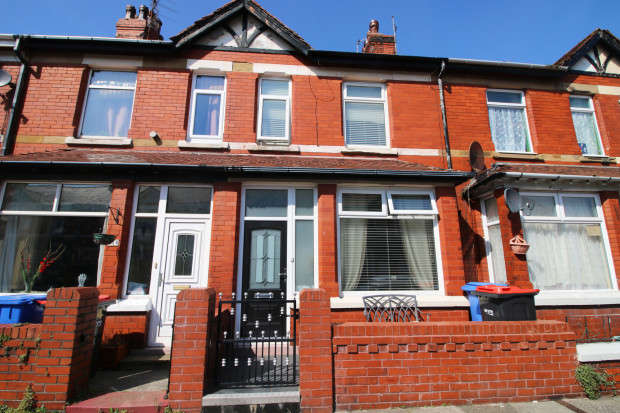 3 Bedrooms Terraced House for sale in Dryden Road, Fleetwood, FY7