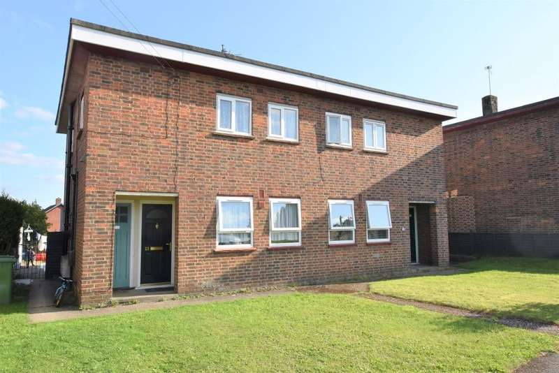 1 Bedroom Maisonette Flat for sale in The Close, Burghfield Common, Reading, RG7