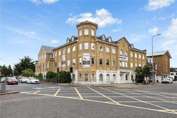 2 Bedrooms Apartment Flat for sale in Hodgson House, Chelmsford, Essex