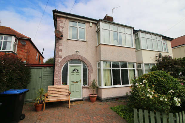 3 Bedrooms Semi Detached House for sale in Ritherham Avenue, Thornton-Cleveleys, FY5
