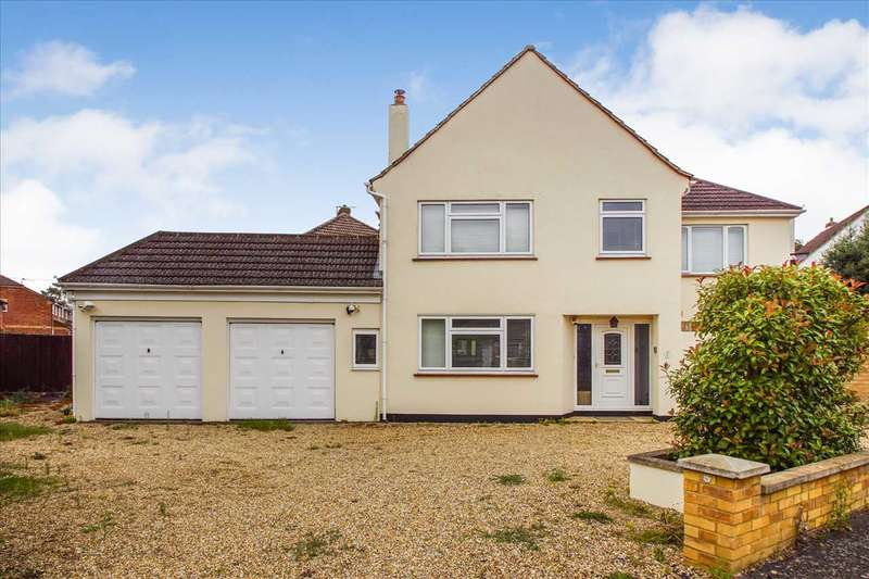 4 Bedrooms Detached House for sale in Clare Road, Burnham