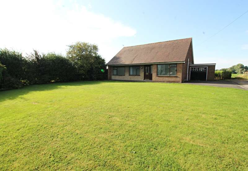 3 Bedrooms Detached Bungalow for sale in Golborne Road, Ashton-in-Makerfield, Wigan, WN4