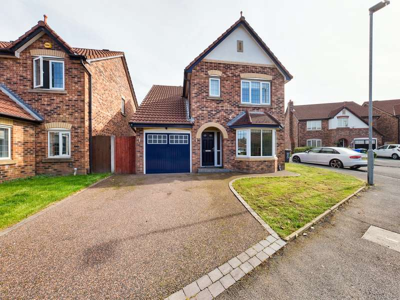 3 Bedrooms Detached House for sale in Ash Tree Avenue, Manchester, Greater Manchester, M43
