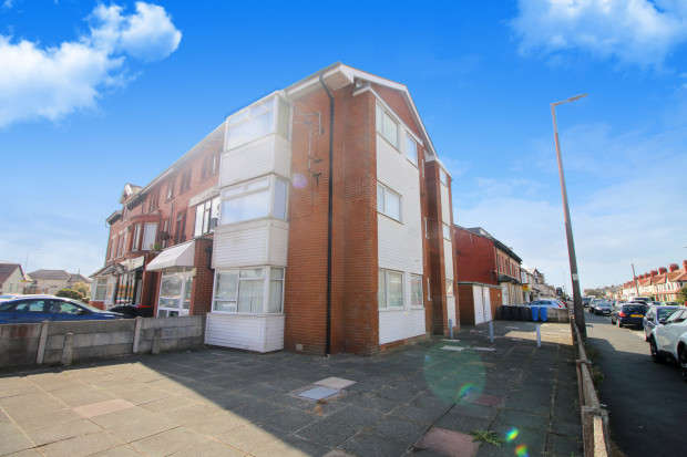 3 Bedrooms Apartment Flat for sale in Beach Road, Thornton-Cleveleys, FY5