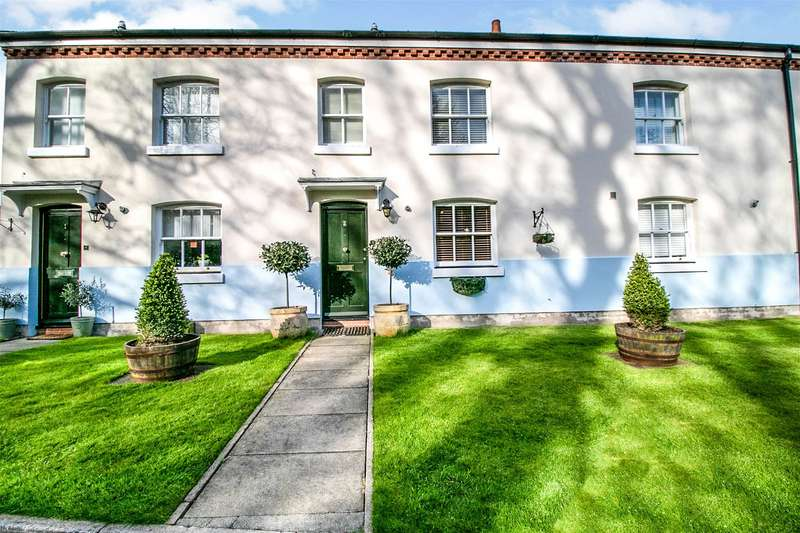 2 Bedrooms Terraced House for sale in Thorndon Park, Ingrave, Brentwood