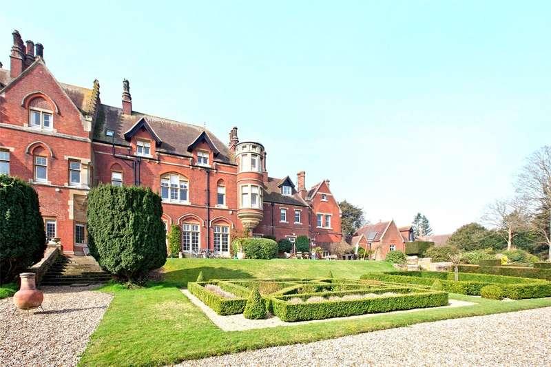 5 Bedrooms House for sale in Hitcham House, Hitcham Lane, Burnham, Buckinghamshire, SL1