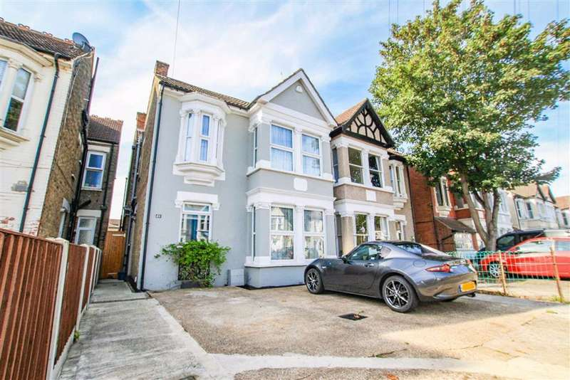 4 Bedrooms Semi Detached House for sale in Anerley Road, Westcliff-On-Sea, Essex