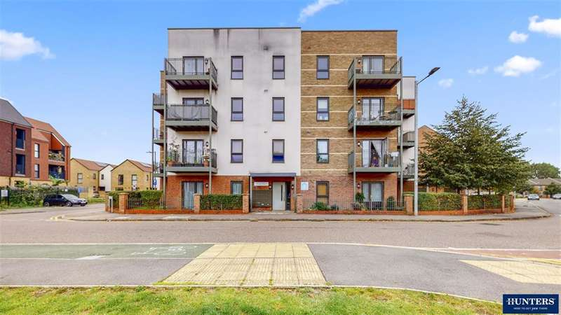 2 Bedrooms Flat for sale in Ager Avenue, Dagenham, RM8