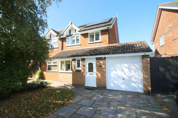 3 Bedrooms Semi Detached House for sale in Rowntree Avenue, Fleetwood, FY7