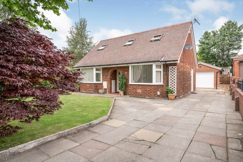 3 Bedrooms Detached Bungalow for sale in Westhoughton, Bolton, Greater Manchester