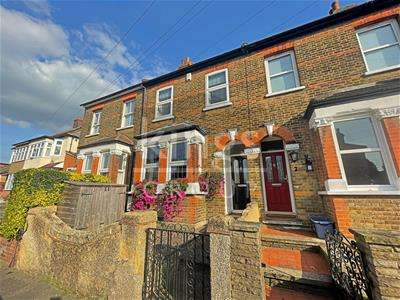 2 Bedrooms Terraced House for sale in Patmore Road, Waltham Abbey