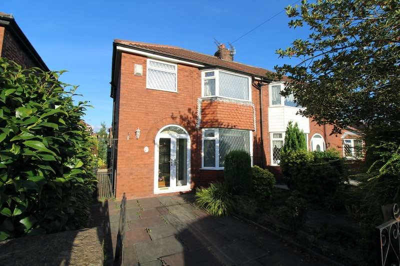 3 Bedrooms Semi Detached House for sale in Chatsworth Road, Manchester, Greater Manchester, M43