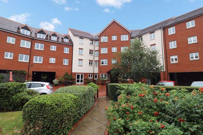 2 Bedrooms Property for sale in Tylers Ride, Chelmsford, CM3 5ZT