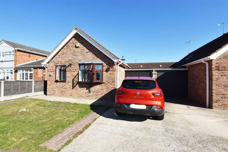 2 Bedrooms Bungalow for sale in Marcos Road, Canvey Island