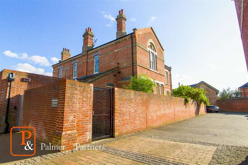 2 Bedrooms Apartment Flat for sale in Cavalry Road, Colchester, CO2