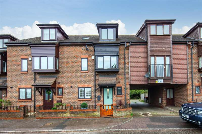 4 Bedrooms Town House for sale in Luton Road, Toddington