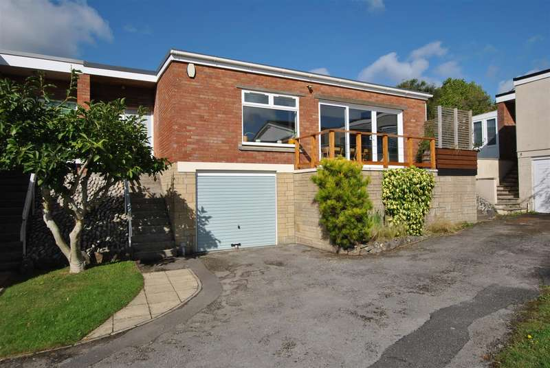 3 Bedrooms Semi Detached Bungalow for sale in St Martins Gardens, Knowle
