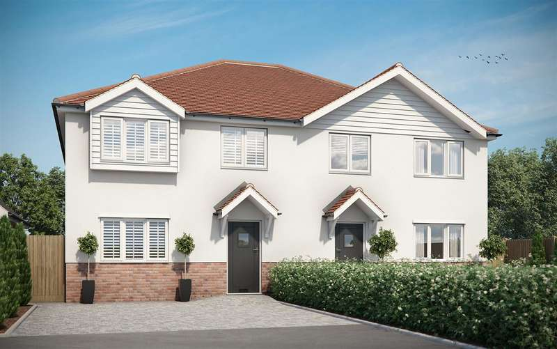 3 Bedrooms Semi Detached House for sale in Hanging Hill Lane, Hutton