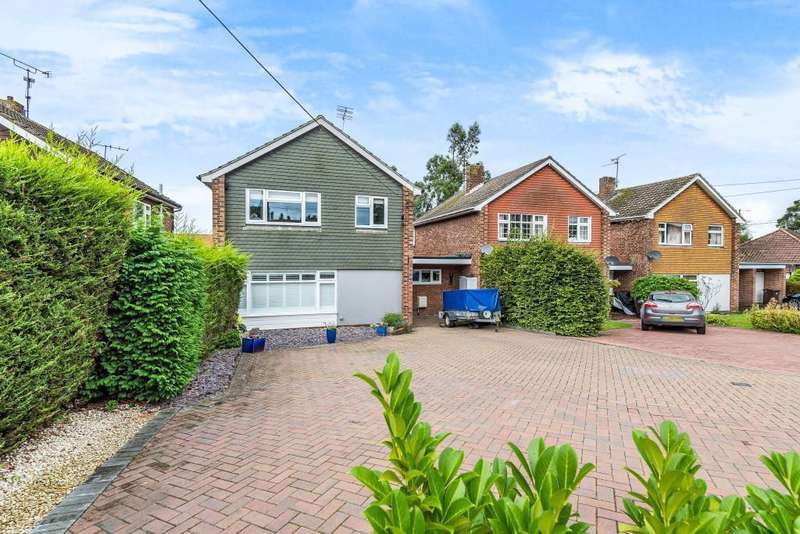 4 Bedrooms Detached House for sale in Hurst Road, Twyford, Reading, RG10
