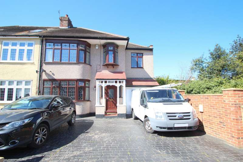 5 Bedrooms House for rent in Chester Avenue, Upminster, RM14