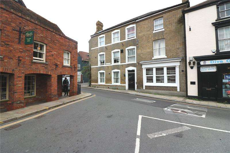 1 Bedroom Apartment Flat for rent in Acacia House, 2 East Street, Rochford, Essex, SS4