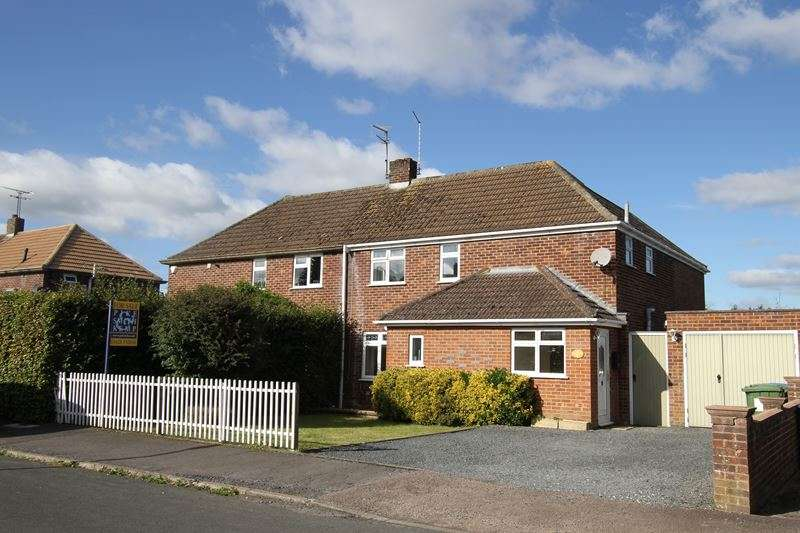 3 Bedrooms Semi Detached House for sale in Southwood Gardens, COOKHAM, SL6
