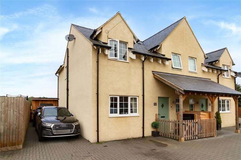 3 Bedrooms Property for sale in Ashton Road, Siddington, Cirencester GL7