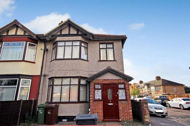 3 Bedrooms Terraced House for rent in Whalebone Lane North, Chadwell Heath, Romford, RM6