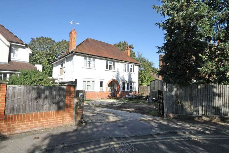 4 Bedrooms Detached House for sale in Ray Drive, MAIDENHEAD, SL6