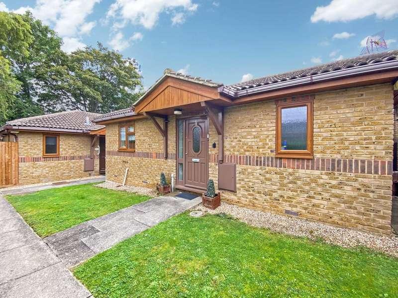 2 Bedrooms Detached Bungalow for sale in Allington Court, Billericay
