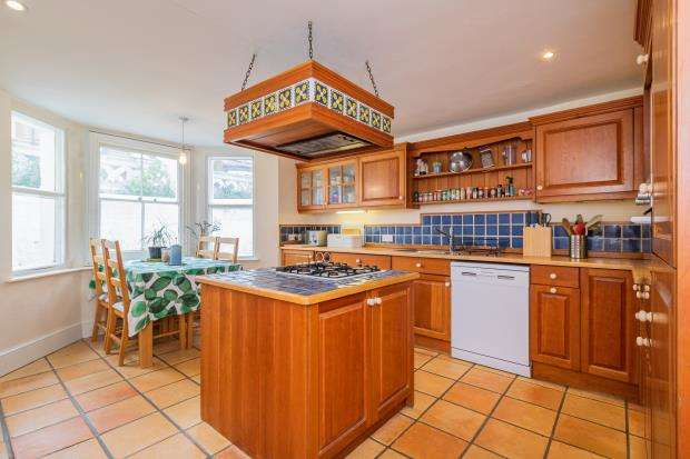 3 Bedrooms Terraced House for sale in Brunswick Hill, Reading, Berkshire