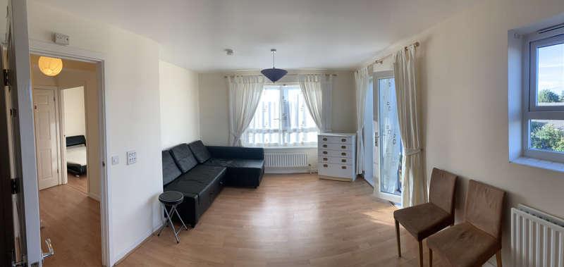2 Bedrooms Flat for sale in 48 Longwood Avenue, SL3