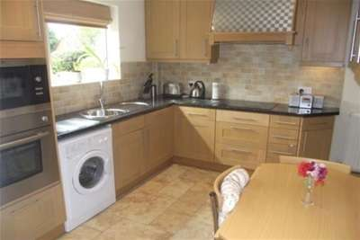 3 Bedrooms House for rent in Addison Road, IG6 2LW