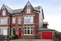 9 Bedrooms Guest House Commercial