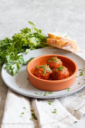 Rezept Albóndigas mit Chipotle-Tomaten-Soße