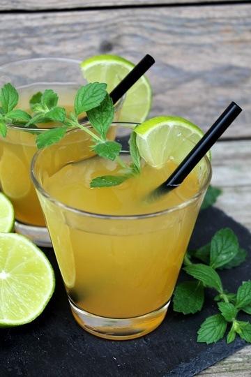 Rezept Alkoholfreier Minz-Limetten-Maracuja-Cocktail