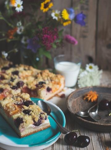 Rezept Almhefekuchen mit Kirschen und Marillen